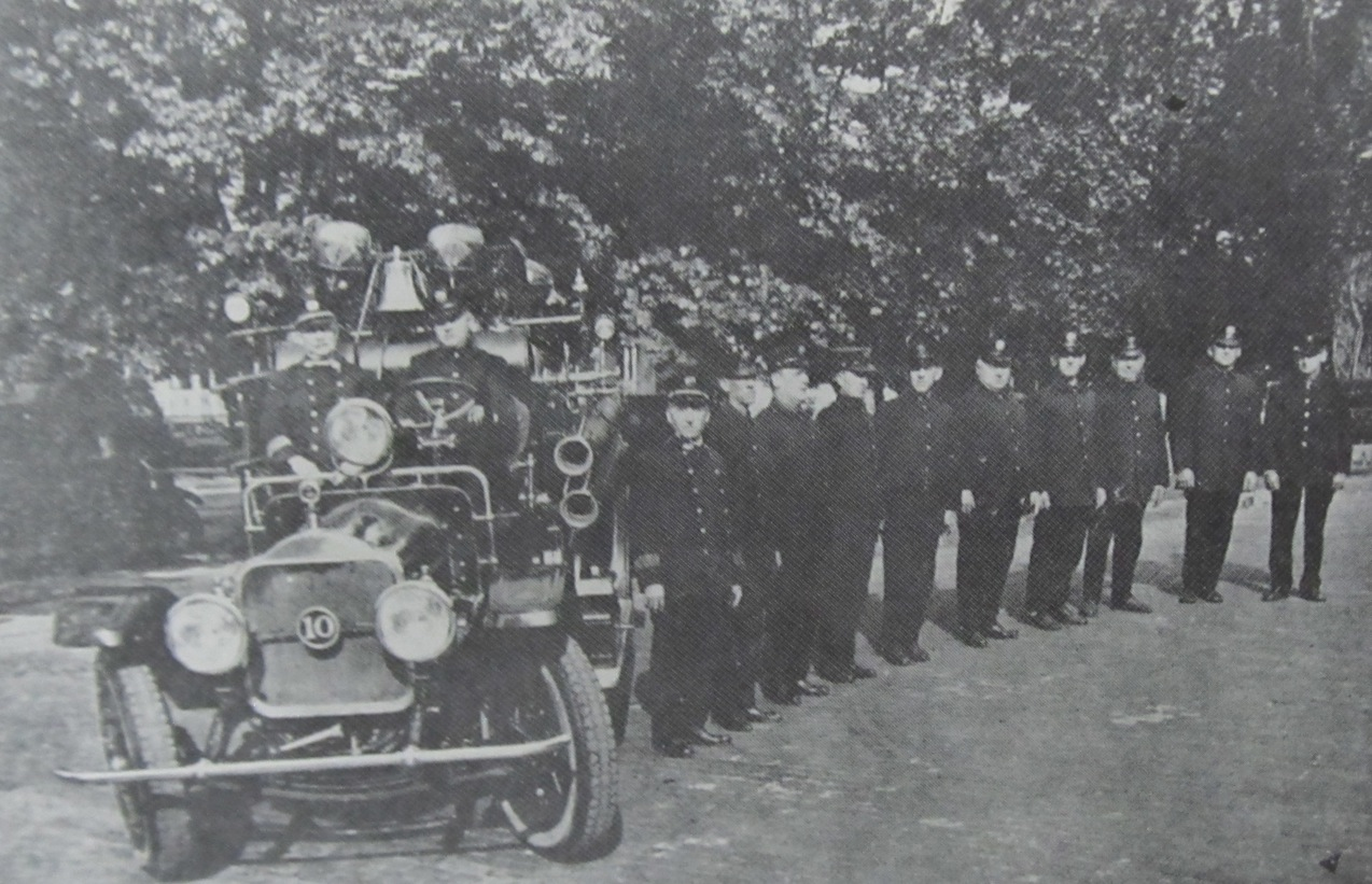 Engine and firefighters, 1918.